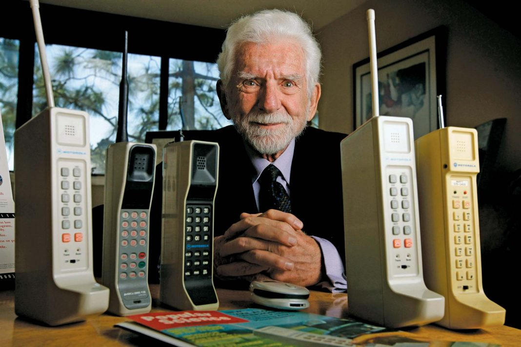 The Oldest Mobile Phone in the World
